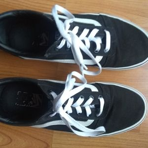 Vans classic black and white